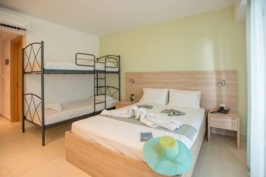 Superior Quadruple Room, Pool View double bed and bunk bed
